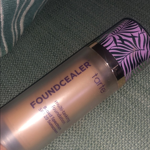 tarte foundcealer NEW 275